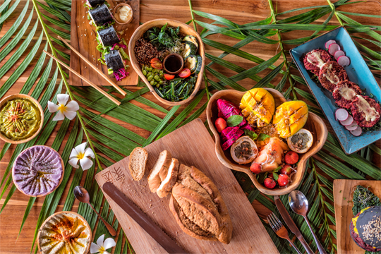 vegetarian food in canggu area, vegan food in seminyak area - healthy food in bali - fresh seafood in canggu and brawa - restaurant in canggu - organic cafe in canggu area