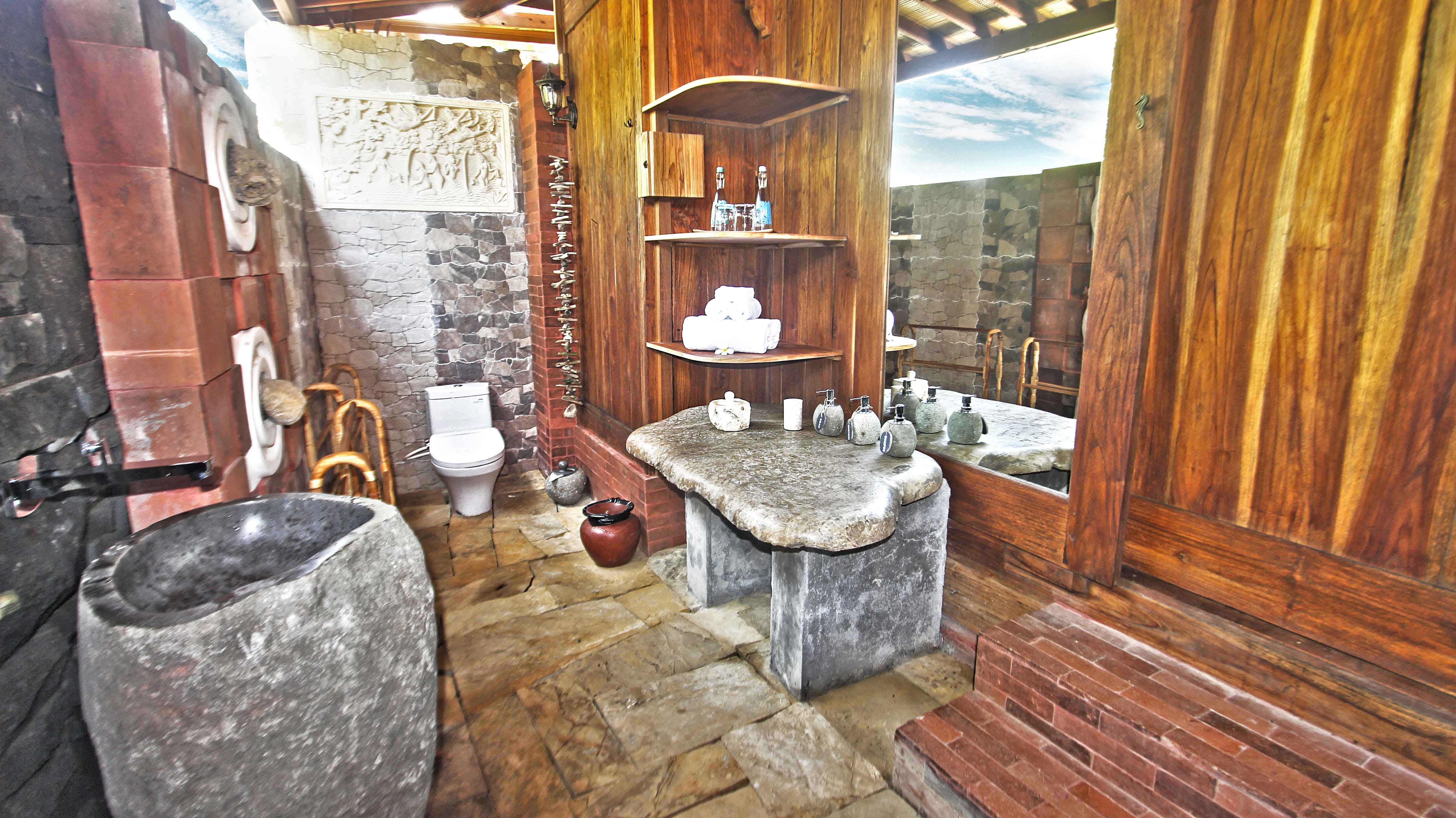 Unique-wooden-joglo,-udara-bali,-bathroom,-bedroom