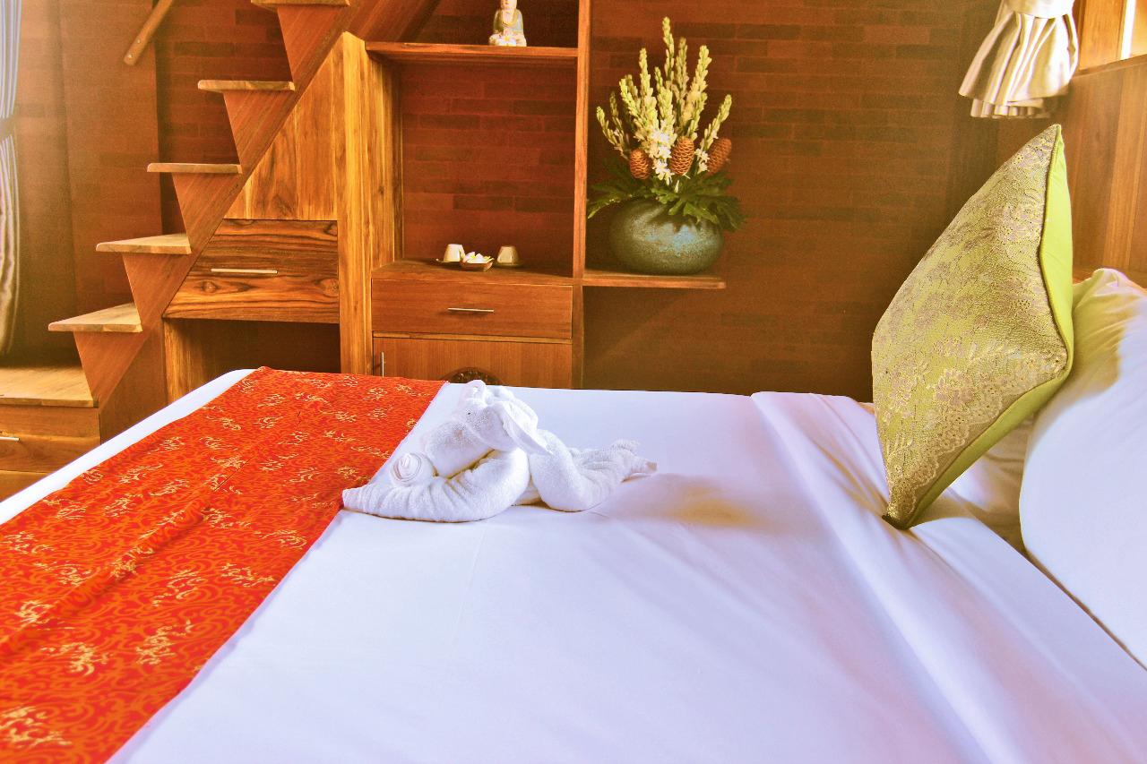 bedroom,-Classic-up-wooden-escape,-udara-bali