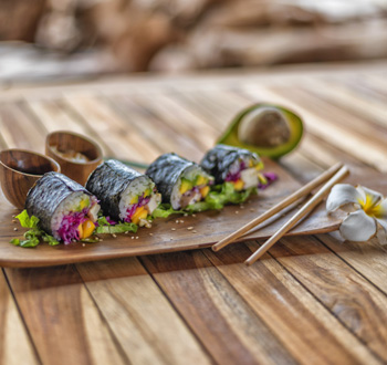Organic-ocean,-sushie-food,-healthy-in-bali,-udara-bali,-udara-yoga,-restaurant-vegan,-vegetarian,-healthy-food-in-bali