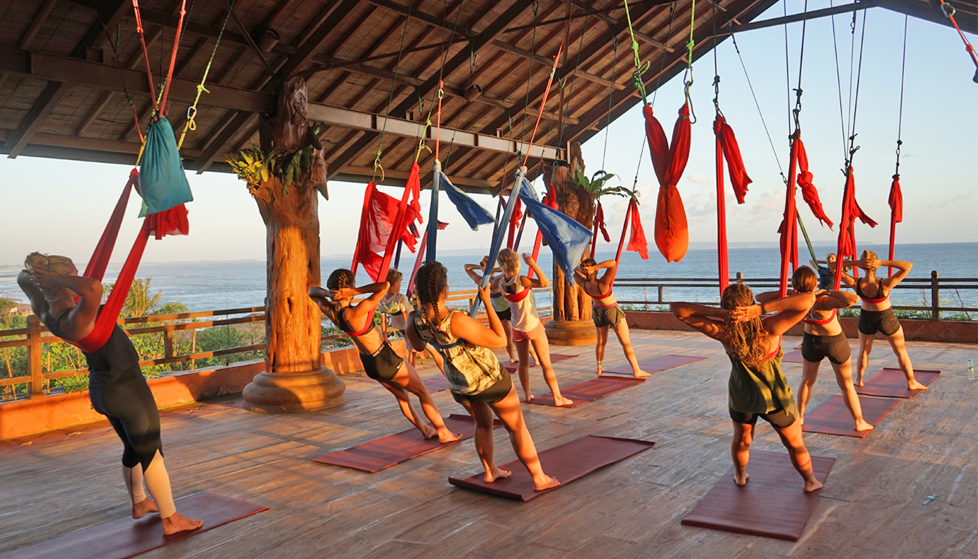 aerial-yoga,-yoga-class-in-canggu,-yoga-in-canggu,-yoga-in-bali,-udara-yoga,-class-in-bali