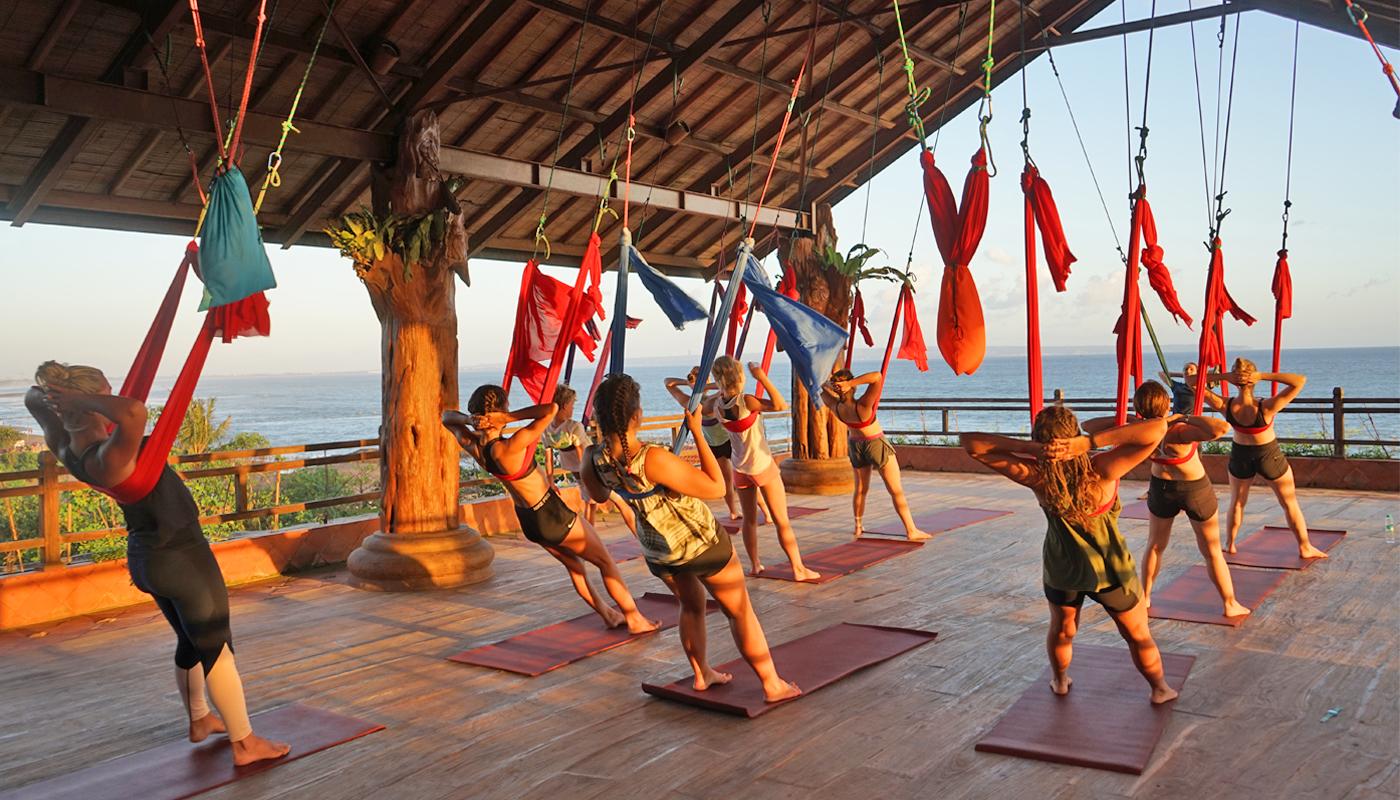 aerial-yoga,-yoga-class-in-canggu,-yoga-in-canggu,-yoga-in-bali,-udara-yoga,-class-in-bali