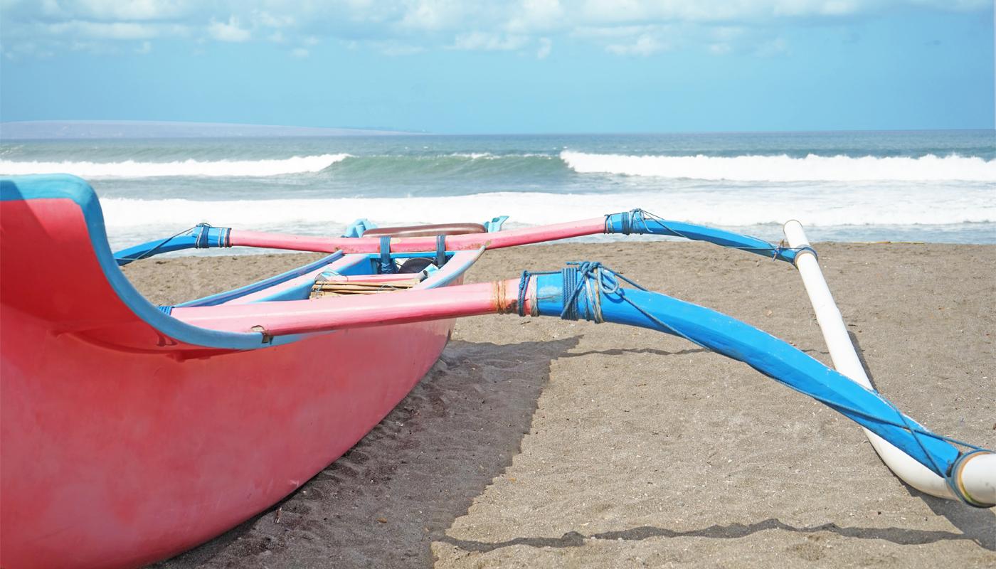 fishing,-udara-bali,-udara-yoga,-seafood,-boat,-lifeguard