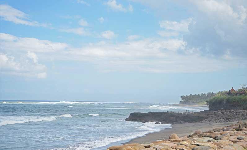 seseh-beach,-envinronment,-temple,-society,-udara-bali,-udara-yoga,-seseh-in-canggu