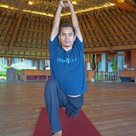 kartana-yoga-teacher,-udara-bali