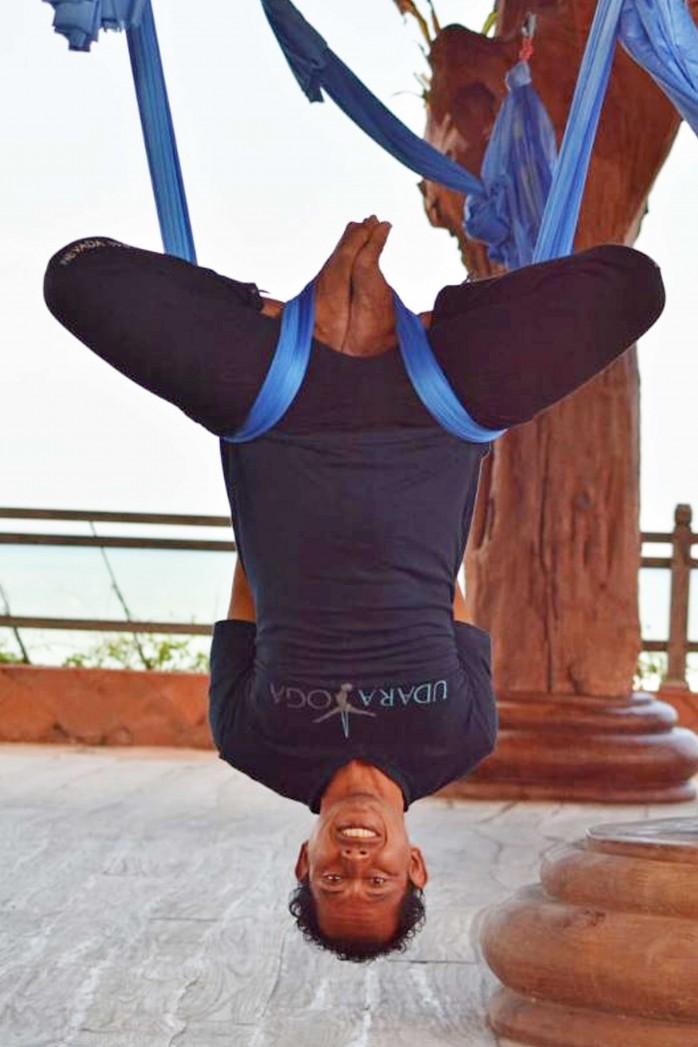 yansha-yoga-teacher,-udara-yoga-teacher,-udara-yoga,-udara-bali,-yoga-in-bali,-yoga-in-canggu