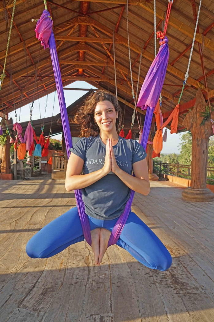 sarah,yoga-teacher,-udara-bali,aerial-yoga